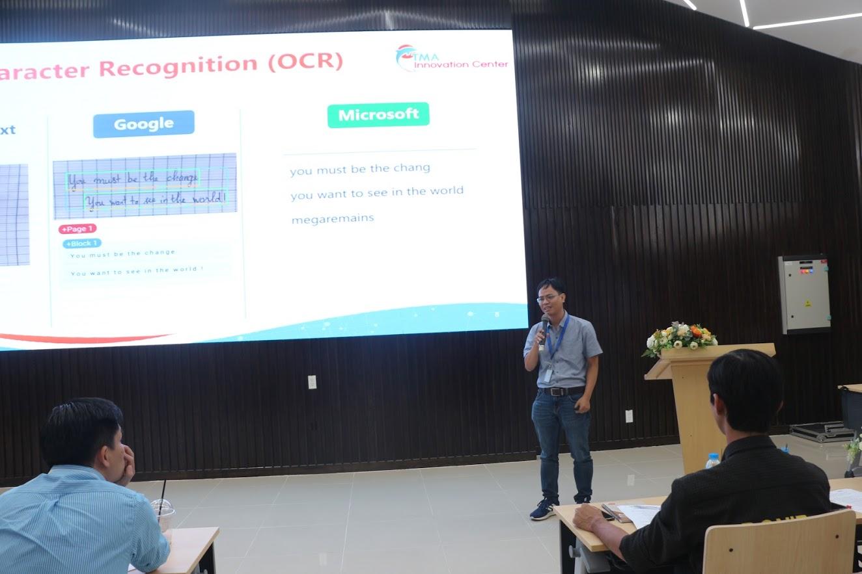 Hình 4: Ông Trần Quang Thắng, Tech Lead, TMA AI Center - So sánh các công nghệ AI/ML và kinh nghiệm áp dụng để giải quyết các bài toán cụ thể về nhận dạng hình ảnh (computer vision, object detection)