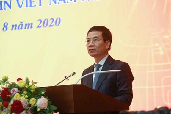 Bộ trưởng Bộ Thông tin và Truyền thông Nguyễn Mạnh Hùng phát biểu tại buổi họp báo.